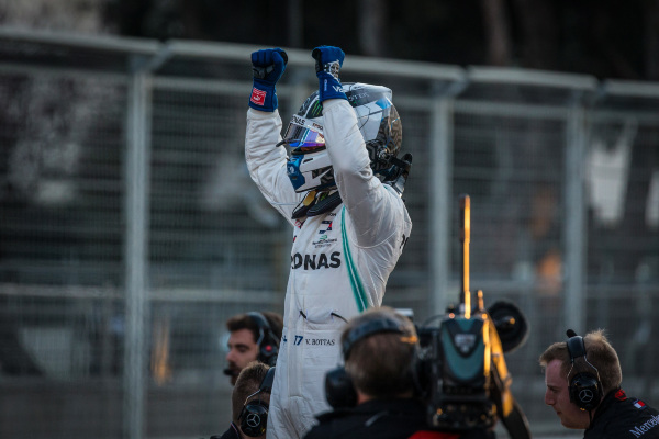 26d591445ee F1 - Bottas on pole in Baku thriller as Leclerc and Kubica crash out ...