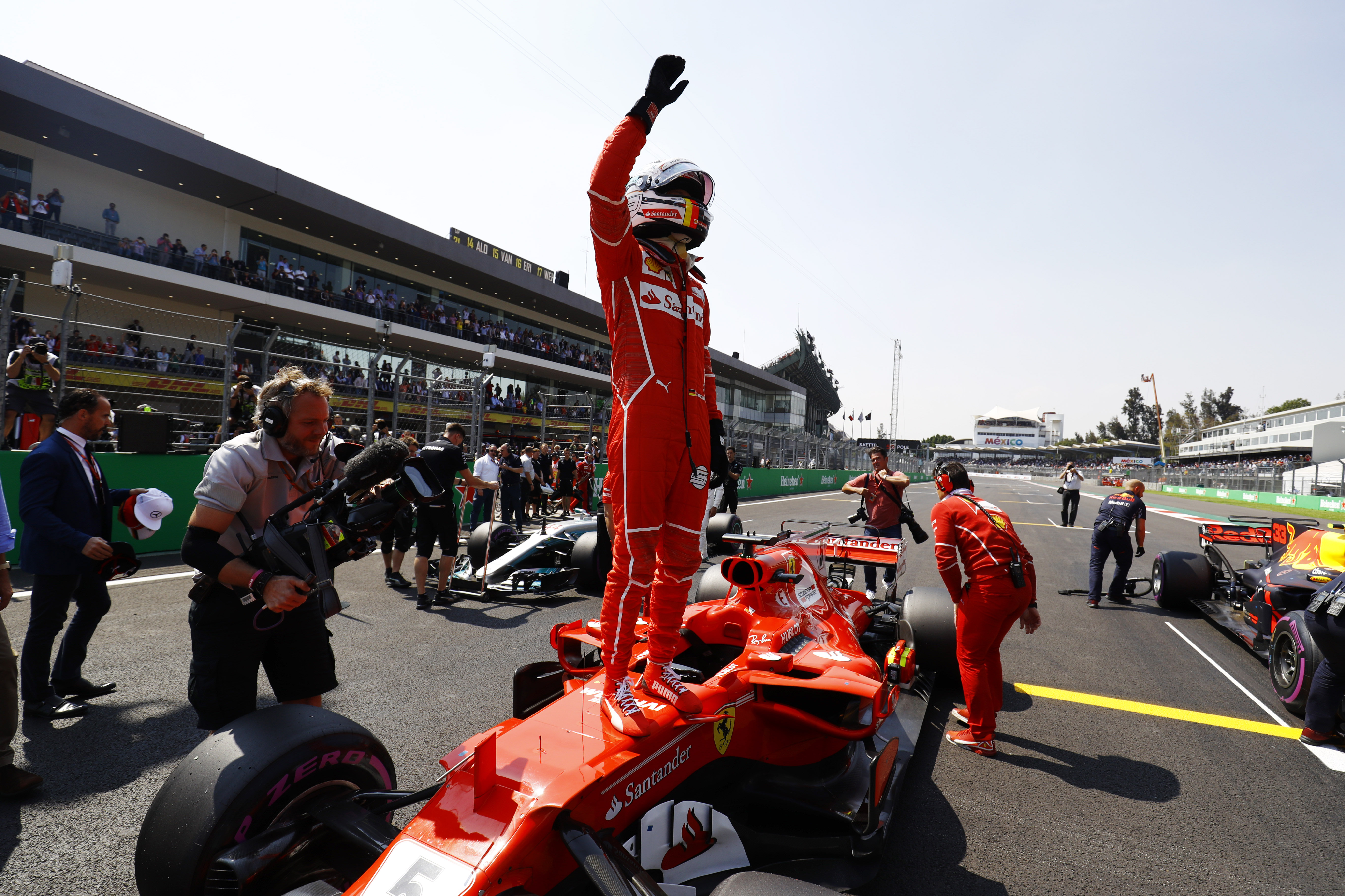 f1 vettel takes crucial pole in mexico ahead of verstappen and hamilton federation. Black Bedroom Furniture Sets. Home Design Ideas