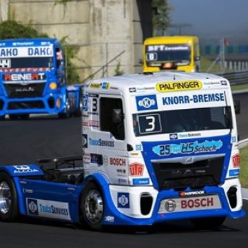 #ETRC Two highly entertaining @fia.etrc races thrilled a large Saturday crowd at the #Hungaroring today where Jochen Hahn and Steffi Halm took a win apiece  #Truck #Hungary #Budapest #Jochen #Hahn #Steffi #Halm #motorsport