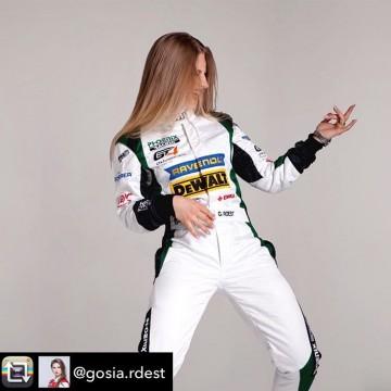 Rock your Friday 🤩  @gosia.rdest  #fia #fiawim #repost #gosiardest #polish #girl #racing #driver #amazing #strong #weekend #friday #rock #womeninmotorsport #women #motorsport #happy #havefun