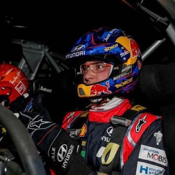 #WRC - Hyundai's @thierryneuville is at one at #RAMC2017, leading by 45.1 seconds after today's first full day of competition. Reigning @officialwrc Champion @seb.ogier has bounced back to second after dropping to eighth this morning. #Racing #Motorsport