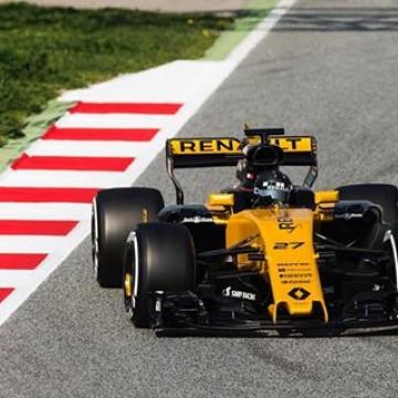 #F1 Here is @hulkhulkenberg in his new @renaultsportf1 car. He will be testing again this week at @circuitdebcncat  #F1 #Formula1 #F1Testing #Motorsport #Racing #Barcelona