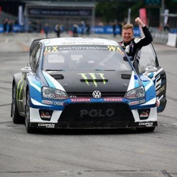 #WorldRX - @kristofferssonjohan has won the 2017 @fiaworldrx championship 🏆 thanks to his victory in @rxlatvia 🇱🇻. PSRX Volkswagen Sweden (Kristoffersson and his team-mate @petterwrc03) has also won the team's Championship 🏆. #Motorsport #Racing