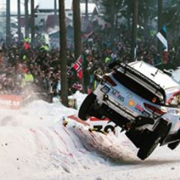 #WRC - Flying rally cars at the 2018 @rallysweden ! 🇸🇪🏁
