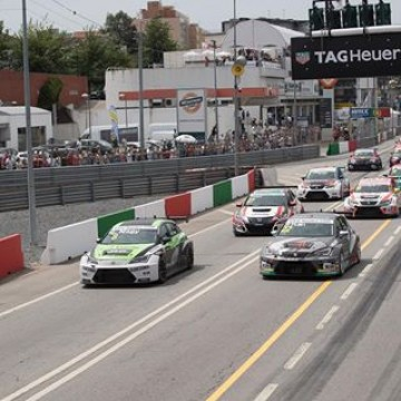 #ETCC @thefulda22 and Zsolt Dávid Szabó were the winners as the FIA European Touring Car Cup delivered two action-packed races on the challenging streets of Vila Real #TouringCar #motorsport #Portugal #VilaReal