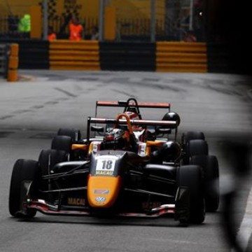 #FIAF3WorldCup - @dan_ticktum has won the FIA F3 World Cup in Macau 🇲🇴 when the two leading cars crashed on the last corner of an incident packed race. #Motorsport #Racing