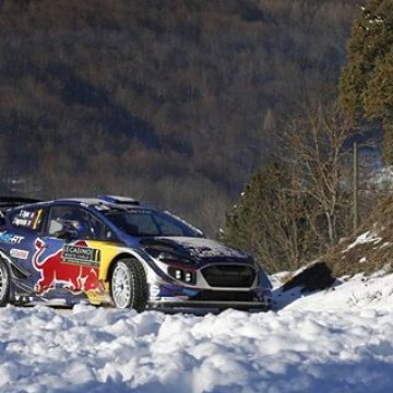 #WRC Sébastien Ogier has taken the lead of #RAMC2017 after @thierryneuville damaged the rear suspension on his i20 Coupe in the final stage of the day. Ogier now takes a 47.1 second advantage into the final day, seeking a fifth victory on this legendary event and the first victory for an @msportltd built WRC car since Rally GB in 2012. Team-mate @otttanak has overcome problems during the day to hold second and, following Neuville's time loss, @jmlatvala has moved the @tgr_wrc into the final provisional podium position on the team's return to the @officialwrc. #Motorsport #Racing