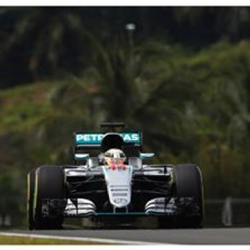 #F1 @lewishamilton quickest in Malaysia #FP3  #MalaysianGP #formulaone #formula1 #Lewis #Hamilton #Mercedes #motorsport #Sepang